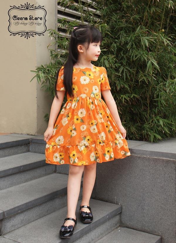 Mùa hè cần lưu ý chọn quần áo cho trẻ